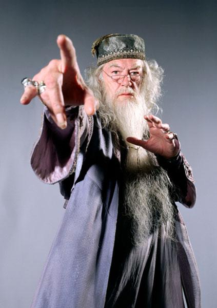 X_studio_08dumbledore1